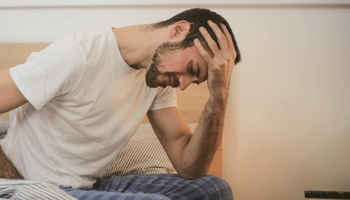 Czy wiesz skąd bierze się zatokowy ból głowy?